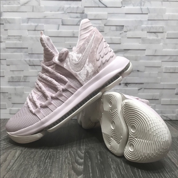 lowest price cda36 15412 NWOT Nike Zoom KD10 Aunt Pearl GS Pink   Sail. M 5b5853e5283095640a53b3ef